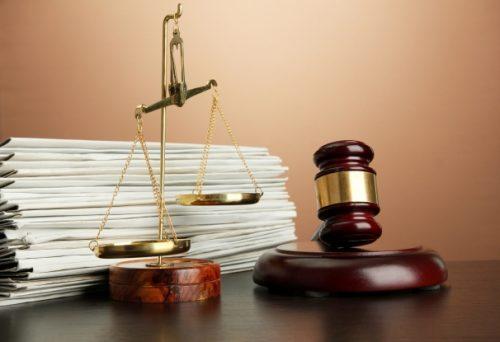 Мать-одиночка может обратиться в суд с иском о взыскании алиментов