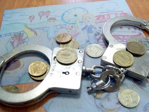 Злостным неплательщикам алиментов, вне зависимости от суммы по ним, грозят наказания