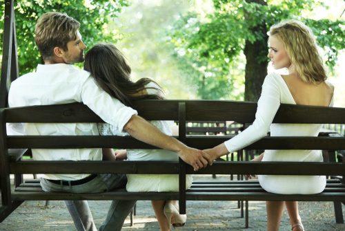 Частой причиной развода является измена одного из партнеров