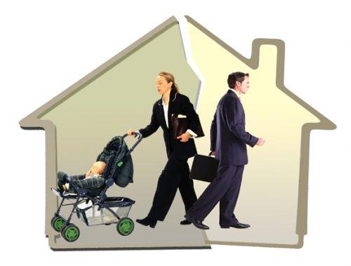 Мать имеет право выписать свое чадо с жилплощади отца и зарегистрировать по собственному месту жительства